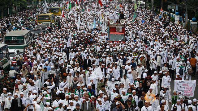 hardline-muslim-groups-protest-against-jakarta-s-incumbent